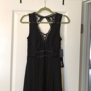 *NEW WITH TAGS* LULUS Long maxi black lace dress